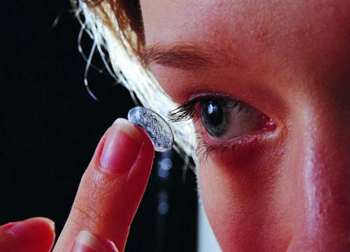 长期戴隐形眼镜有哪些危害