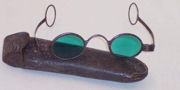 古代眼镜片