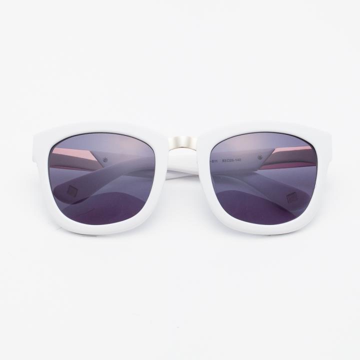 KD时尚太阳镜KD1427-S11  白色